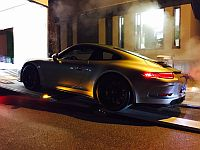 Porsche 991R being loaded