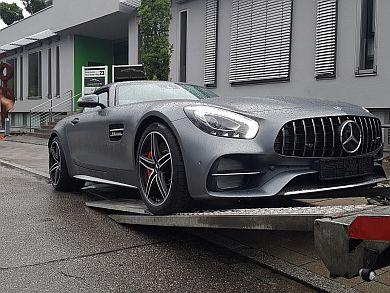 Mercedes-Benz AMG GT C Roadster shipped to Japan